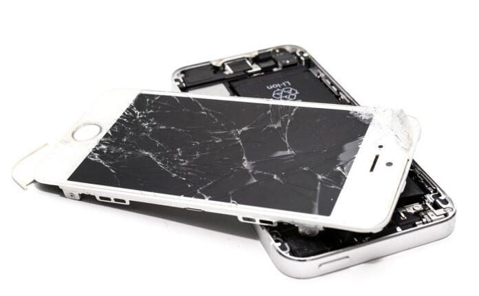 Kaputtes Handy und Display
